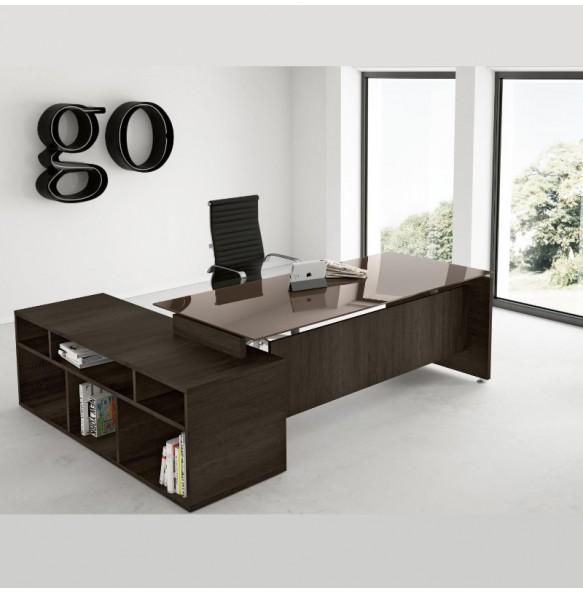 Γωνιακό  γραφείο με ενσωματωμένα ράφια