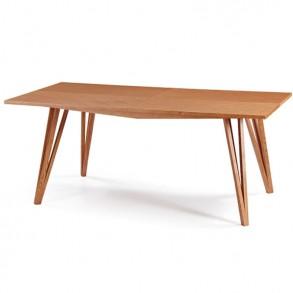 Τετράγωνη ξύλινη τραπεζαρία σε minimal σχεδιασμό