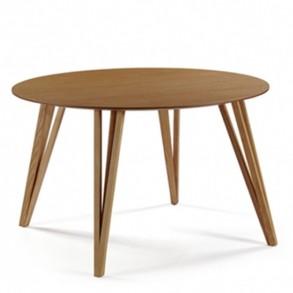 Στρογγυλό τραπέζι σε minimal σχεδιασμό