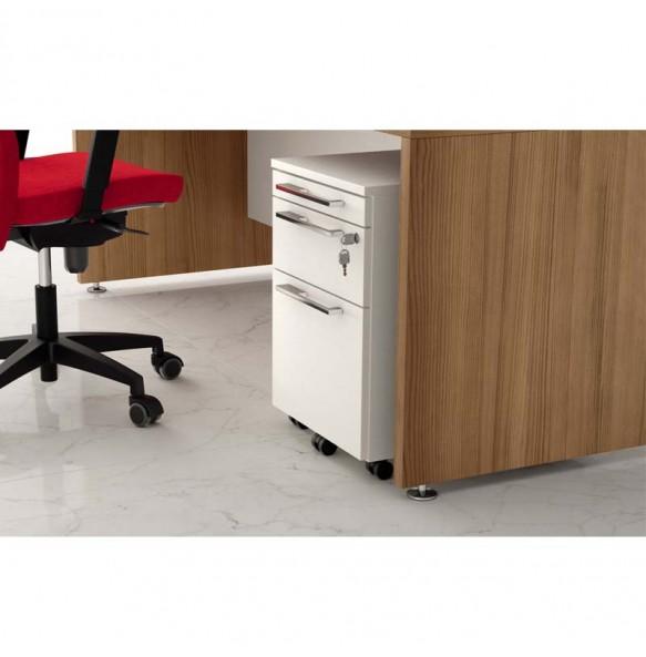 Ξύλινο γραφείο σε ίσια γραμμή