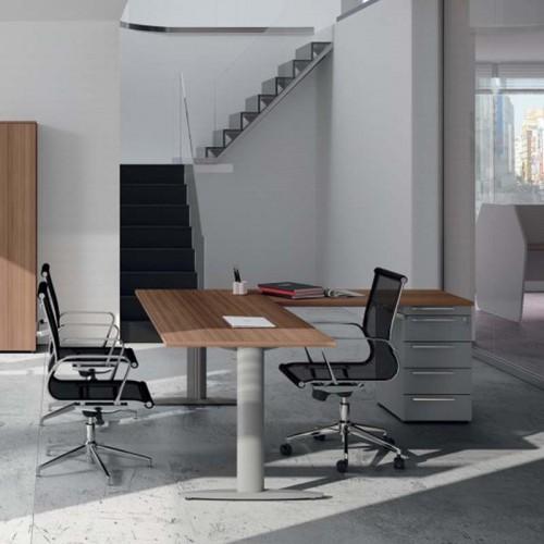 Γωνιακό γραφείο με συρταριέρα